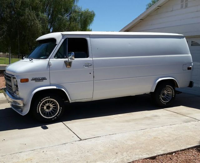 Clean G20 350 Automatic Custom Panel Cargo Chevy Van
