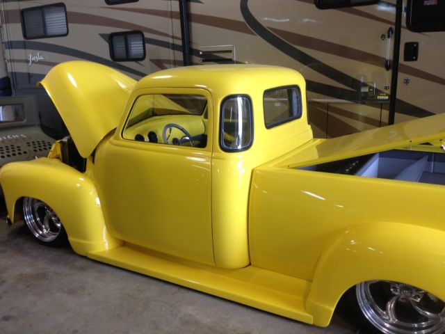 custom 1953 chevy truck trucking mag all time top 10. Black Bedroom Furniture Sets. Home Design Ideas