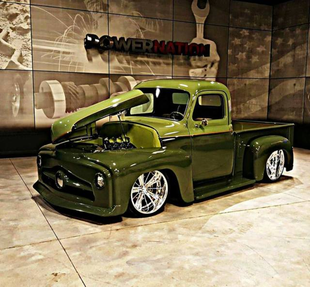 Custom built 1953 International truck for sale: photos
