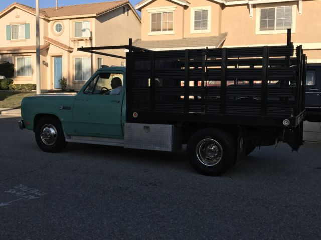 Dodge D 350 Work Horse Classic Flatbed Stake Bed 1 Ton