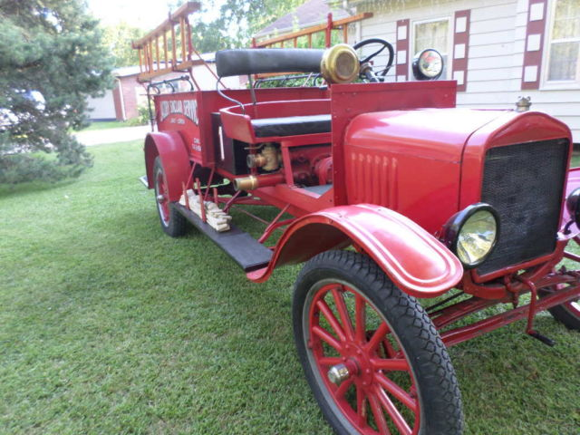 ford 1917 model t fire engine fire truck for sale in ottawa kansas united states. Black Bedroom Furniture Sets. Home Design Ideas