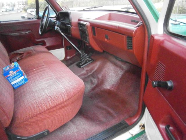 Ford F350 1989 4 Door Long 8 Foot Bed Pick Up Truck Stick