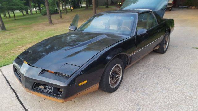 free usa shipping knight rider 1984 pontiac firebird trans am for sale photos technical specifications description classiccardb com