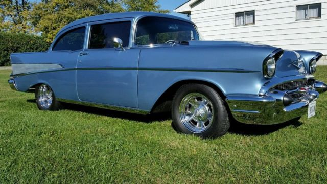 item picture 1957 chevy 210 post 2 door bel air 57 manual 5 speed. Black Bedroom Furniture Sets. Home Design Ideas