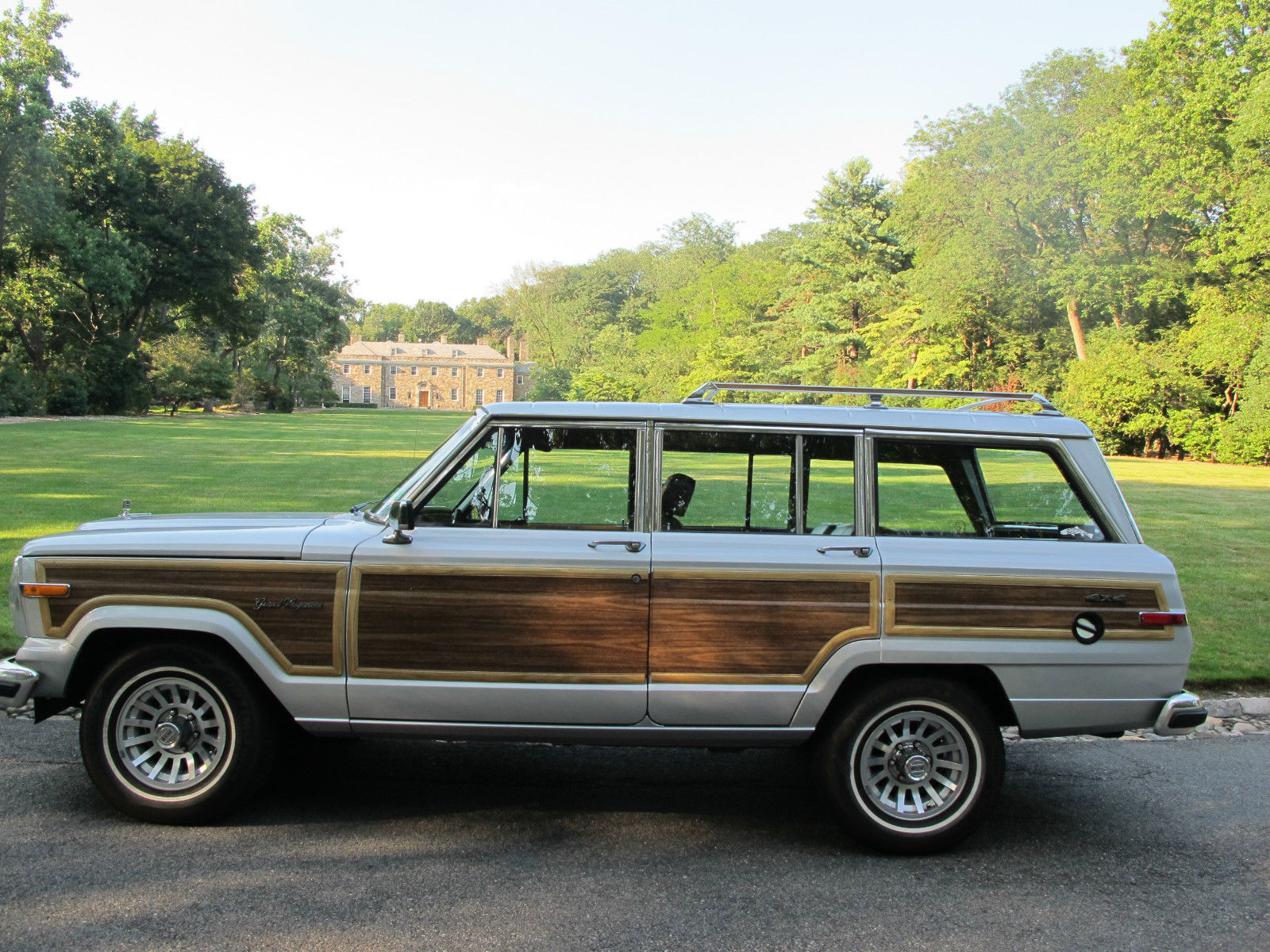 jeep grand wagoneer rare classic 1988 no rust for sale in. Black Bedroom Furniture Sets. Home Design Ideas