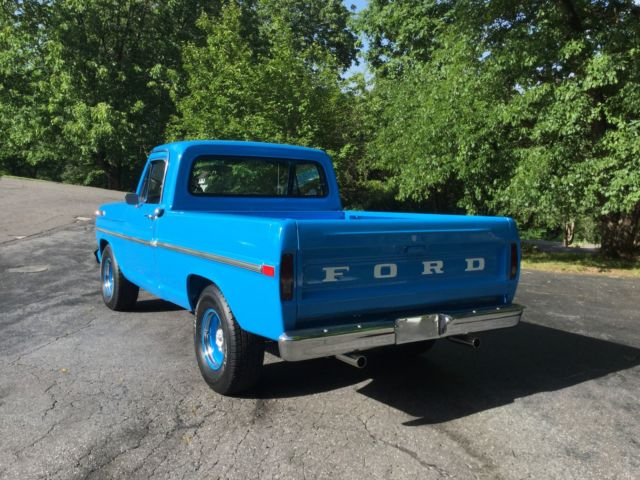 Look 1970 Ford F 100 Short Bed Pickup For Sale In