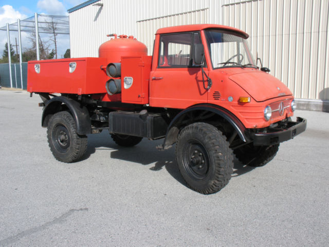 MERCEDES BENZ UNIMOG DRY CHEMICAL FIRE EXTINGUISHER VEHICLE