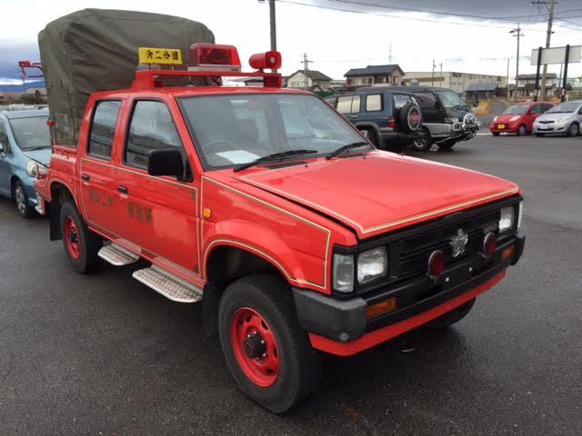 nissan datsun pickup jdm rhd right hand drive 4 door 4wd 4x4 fire truck 1988. Black Bedroom Furniture Sets. Home Design Ideas