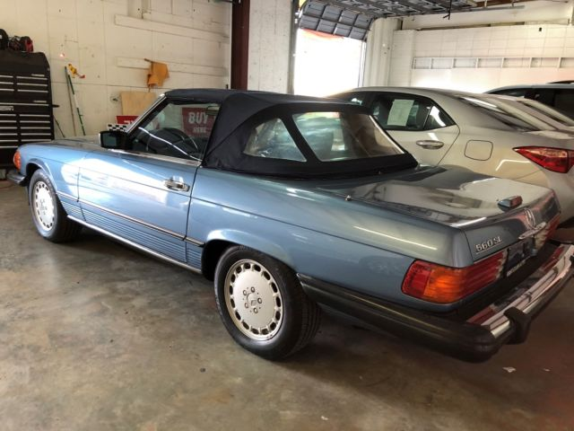 Original owner with hardtop books and all original keys for Mercedes benz books