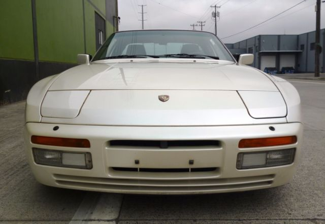 porsche 944 turbo 951 1986 pearl white super nice original ready to enjoy. Black Bedroom Furniture Sets. Home Design Ideas