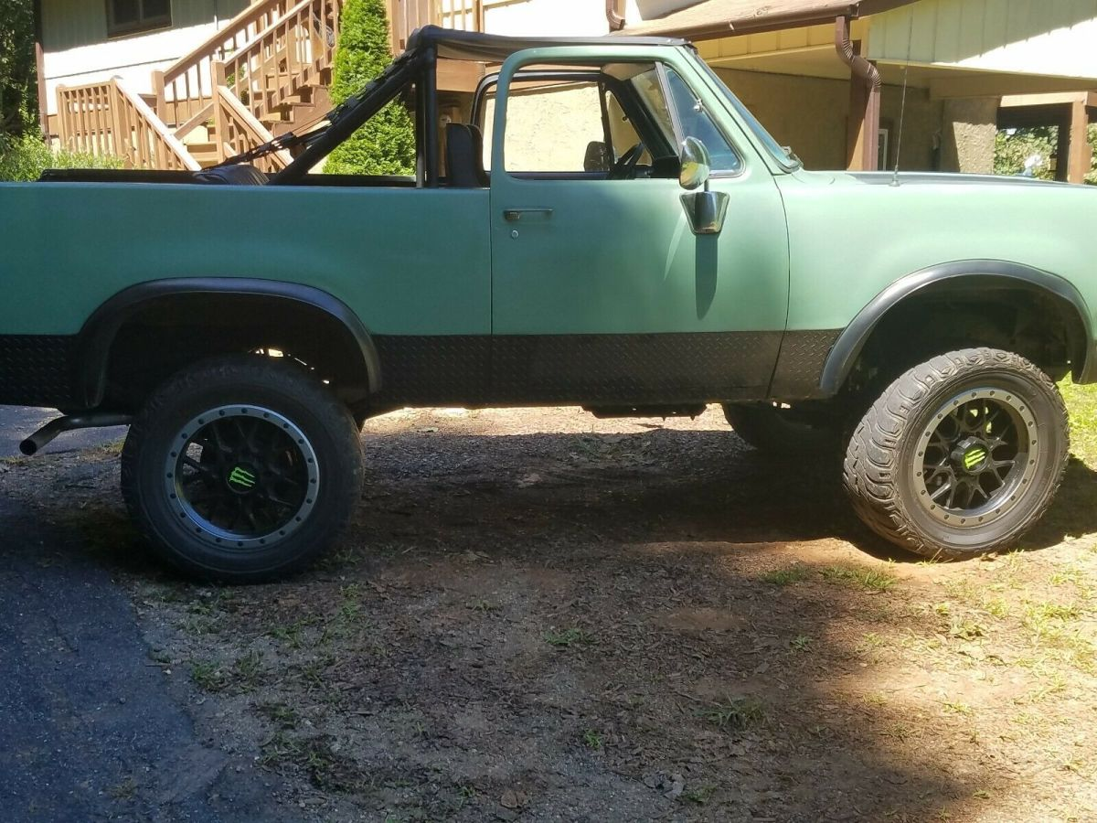 Rare 1978 Ramcharger 400 440 4x4 Convertible For Sale Photos Technical Specifications Description