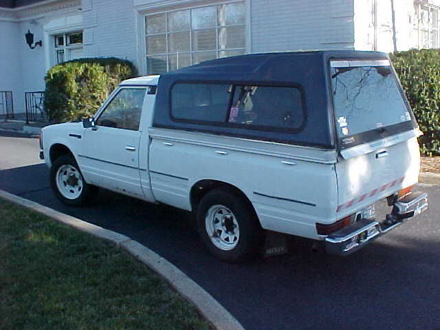 Rare Datsun Nissan 720 Diesel 5 speed pickup with Camper Top